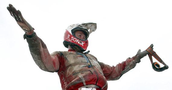 Prezydent Bronisław Komorowski pogratulował Rafałowi Sonikowi oraz Krzysztofowi Hołowczycowi sukcesów podczas Rajdu Dakar. Sonik został zwycięzcą w kategorii quadów, natomiast Hołowczyc z francuskim pilotem Xavierem Panserim zajęli trzecie miejsce w gronie kierowców samochodów.