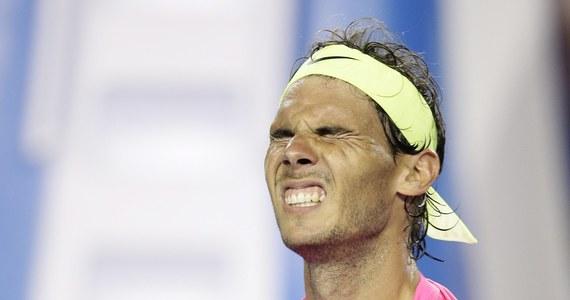 """Rozstawiony z """"trójką"""" Rafael Nadal potrzebował czterech godzin i 12 minut, by awansować do 3. rundy wielkoszlemowego Australian Open w Melbourne. Hiszpan, mimo kryzysu w trakcie gry, pokonał Amerykanina Tima Smyczka 6:2, 3:6, 6:7 (2-7), 6:3, 7:5."""