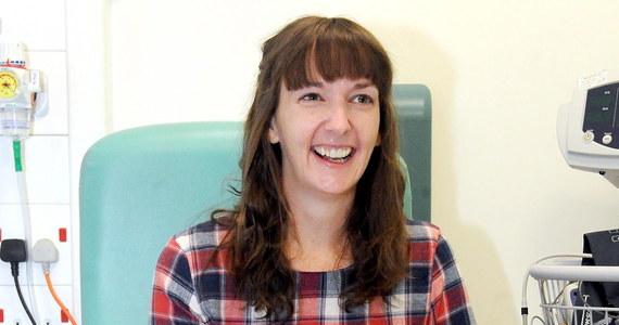 Londyński Royal Free Hospital poinformował, że brytyjska pielęgniarka Pauline Cafferkey, która w Sierra Leona zaraziła się ebolą, jest zdrowa. Kobieta była leczona eksperymentalnym lekiem antywirusowym i krwią od osób, które pokonały wirusa.