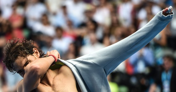 """Rozstawiony z numerem trzecim Hiszpan Rafael Nadal pokonał Kevina Andersona (nr 14.) z RPA 7:5, 6:1, 6:4 i po raz ósmy wystąpi w ćwierćfinale wielkoszlemowego turnieju Australian Open. Tam czeka na niego grający w Melbourne z """"siódemką"""" Czech Tomas Berdych."""