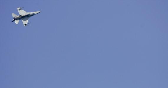 W 2014 r. ponad 150 razy samoloty NATO przechwyciły rosyjskie maszyny w rejonie Bałtyku. To cztery razy częściej niż w 2013 r. Czterokrotnie wzrosła też liczba myśliwców Sojuszu strzegących nieba Litwy, Łotwy i Estonii. Wśród nich są obecnie też polskie maszyny.