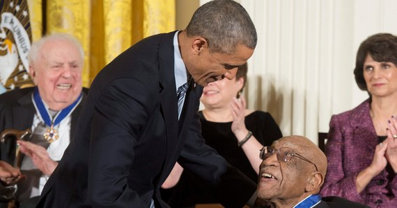 W wieku 92 lat zmarł Charlie Sifford, pierwszy czarnoskóry uczestnik profesjonalnych rozgrywek golfistów i mentor najpopularniejszego zawodnika ostatniego dziesięciolecia - Tigera Woodsa. Prezydent USA Barack Obama przekazał kondolencje jego rodzinie w specjalnym komunikacie wydanym przez Biały Dom.