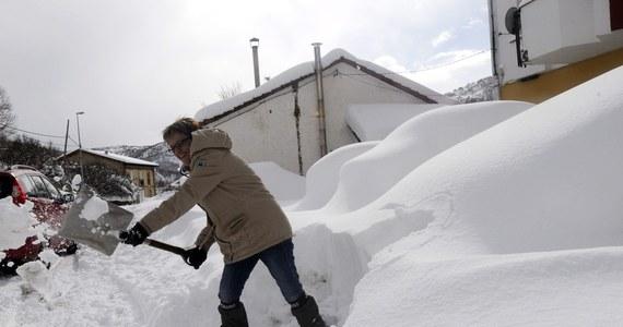Zima ostro zaatakowała w Hiszpanii, we Włoszech i w Słowenii. W wielu rejonach drogi były nieprzejezdne, a nawet wręcz zamknięte dla ciężarówek. Na północy Hiszpanii wiele miejscowości zostało odciętych od świata.