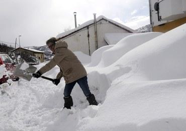 Atak zimy w Hiszpanii, we Włoszech i w Słowenii, chaos na drogach
