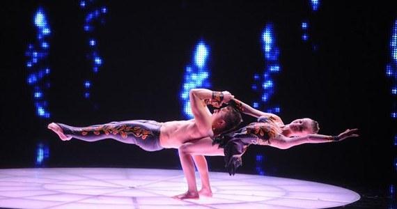 seks wideo z akrobatą duży tyłek vs wielkie kutasy