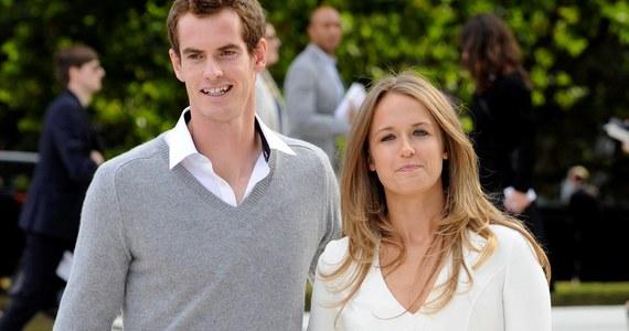 Szkocki tenisista Andy Murray 11 kwietnia weźmie ślub ze swoją wieloletnią partnerką Kim Sears. W listopadzie para się zaręczyła. Uroczystość ma się odbyć w luksusowym hotelu zawodnika w szkockiej miejscowości Perthshire.
