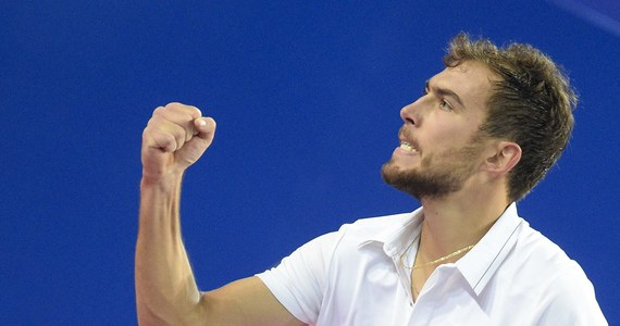 Rozstawiony z numerem piątym Jerzy Janowicz pokonał Portugalczyka Joao Sousę (nr 7.) 7:6 (11-9), 3:6, 6:1 i zagra w finale tenisowego turnieju ATP w Montpellier (pula nagród 494 310 dol.). To będzie jego trzeci finał w karierze, poprzednie dwa przegrał.