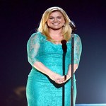 Kelly Clarkson 13 lat po triumfie w