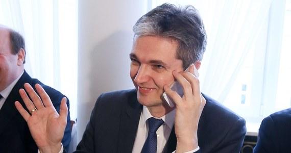 """""""Prezes zaangażuje się w moją kampanię"""" – mówi w odpowiedzi na pytania słuchaczy kandydat PSL na prezydenta, Adam Jarubas. """"Janusz Piechociński zaczął trochę niefortunnie nazywając mnie Adasiem, zaprotestowałem. Przeprosił"""" – dodaje."""