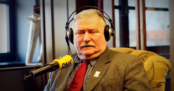 """Start w wyborach prezydenckich? """"Dzisiaj to nie ma szans, bo mój program został zrujnowany. Rozbrojono mnie, zniszczono mi stocznię. Musiałbym połowę obywateli zamknąć"""" – odpowiada Lech Wałęsa, pytany o żądanie Samoobrony, by wystartował w wyborach. Gość Krzysztofa Ziemca w RMF FM dodaje, że Magdalena Ogórek ma duże szanse, żeby wejść do drugiej tury, ponieważ jest """"miła i fajna"""". """"Jest dyskusyjne, jaka koncepcja prezydentury jest dziś potrzebna. Czy bardziej aktywna i walcząca, czy ugodowa i głaszcząca"""" – komentuje."""