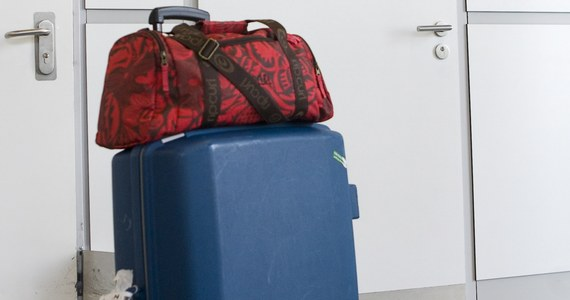 Walizkę z biżuterią o wartości ponad 1 miliona euro zostawiła w pociągu pasażerka we Włoszech. Cenny bagaż odzyskała policja kolejowa, która musiała ścigać skład szybkiej kolei.