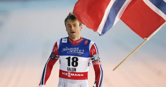 Petter Northug zdobył złoty medal w sprincie techniką klasyczną w narciarskich mistrzostwach świata w szwedzkim Falun. Norweg był minimalnie szybszy od Kanadyjczyka Alexa Harveya, a brąz wywalczył mistrz olimpijski w tej konkurencji, Norweg Ola Vigen Hattestad.
