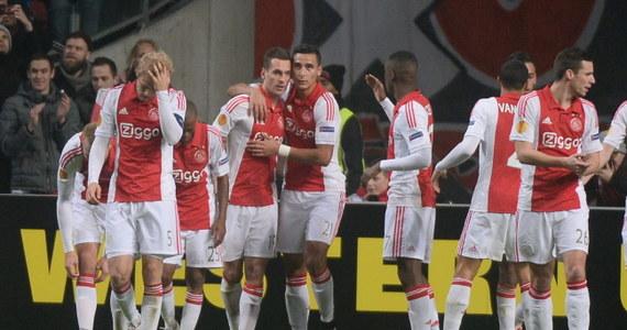Piłkarze Legii Warszawa przegrali na wyjeździe z Ajaksem Amsterdami 0:1 (0:1) w pierwszym meczu 1/16 finału Ligi Europejskiej. Bramkę dla mistrza Holandii zdobył w 35. minucie reprezentant Polski Arkadiusz Milik.