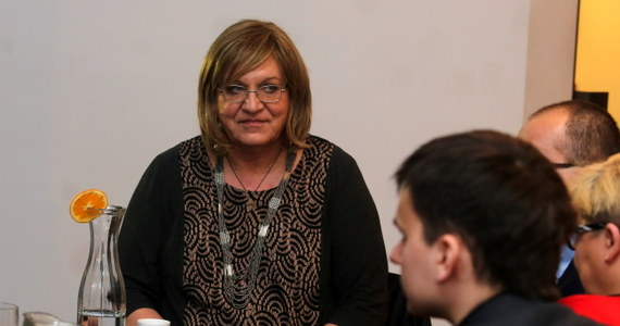"""""""Polska nie może uprawiać polityki od wyborów do wyborów, musi mieć strategię. Jesteśmy na Śląsku - potrzebna jest strategia dla reindustrializacji Śląska"""" – stwierdziła Anna Grodzka, kandydatka Zielonych na prezydenta. """"Nie może być tak, że ktoś przyjeżdża i mówi, że zamykamy kopalnie i likwidujemy miejsca pracy, dając nawet wysokie odprawy - to są jednak jałmużny, choćby nawet wysokie jałmużny - a nie proponując innych rozwiązań. Są takie możliwości  i o tym trzeba rozmawiać, jak to zrobić, żeby na Śląsku pojawiły się wysokie technologie w konkretnych rozwiązaniach praktycznych, które stwarzają miejsca pracy"""" - powiedziała podczas konferencji prasowej w Katowicach."""