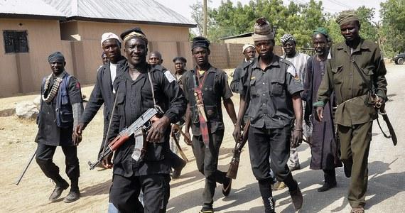 """Nigeryjskie wojsko poinformowało, że w ramach ofensywy wspieranej przez lotnictwo odbiło z rąk islamistów z Boko Haram miejscowość Baga nad jeziorem Czad, gdzie znajduje się baza wojskowa. """"Zabezpieczyliśmy Bagę, sprawujemy tam całkowitą kontrolę. Zostało już tylko wygaszenie ostatnich ognisk oporu"""" - powiedział rzecznik nigeryjskiego ministerstwa obrony w rozmowie telefonicznej z agencją Reutera."""