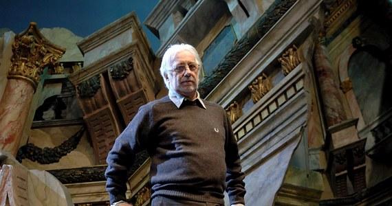 """W Mediolanie w wieku 82 lat zmarł włoski reżyser teatralny i aktor Luca Ronconi. Był jednym z największych twórców europejskiego teatru. Oklaskiwano go także w Polsce, a we Włoszech wystawił ostatnio """"Pornografię"""" Gombrowicza."""