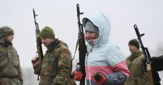 8 tysięcy mężczyzn jest poszukiwanych na Ukrainie, w graniczącym z Polską obwodzie iwano-frankowskim, za uchylanie się od wojska. Jak podają ukraińskie media, właśnie na zachodzie kraju są największe problemy z mobilizacją.