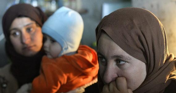 Dżihadyści z Państwa Islamskiego (IS) porwali co najmniej 90 mieszkańców z wiosek na północnym wschodzie Syrii zamieszkanych przez chrześcijan z niezależnego od Watykanu Asyryjskiego Kościoła Wschodu - podało we wtorek Syryjskie Obserwatorium Praw Człowieka.
