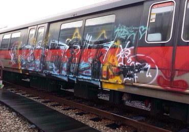 Więzienie i chłosta za graffiti na wagonie