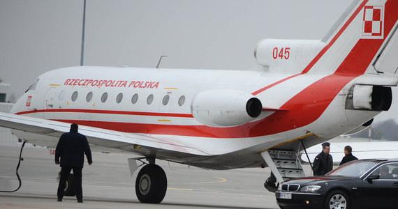 """Z powodu """"braku danych potwierdzających popełnienie przestępstwa"""" Wojskowa Prokuratura Okręgowa w Warszawie umorzyła śledztwo ws. lądowania rządowego Jaka-40 10 kwietnia 2010 roku w Smoleńsku, krótko przed katastrofą Tu-154."""
