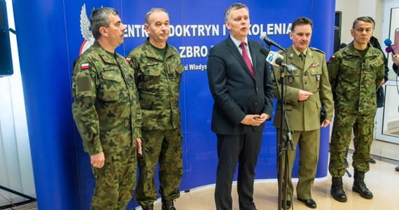 Powstanie w Bydgoszczy jednostki operacyjnej NATO - Force Integration Units (NFIU) - zapowiedział szef MON Tomasz Siemoniak. Ma ona rozpocząć działalność w połowie kwietnia. W czerwcu ma być w pełni gotowa do ćwiczeń tzw. szpicy.