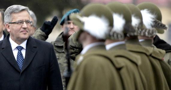 Sławomir Rybicki, pełnomocnik wyborczy komitetu Bronisława Komorowskiego złożył w siedzibie Państwowej Komisji Wyborczej 250 tys. podpisów z poparciem dla kandydatury ubiegającego się o reelekcję prezydenta. Jeśli okaże się, że co najmniej 100 tys. z nich zostało złożone w sposób prawidłowy, PKW będzie mogła oficjalnie zarejestrować Komorowskiego w zaplanowanych na 10 maja wyborach prezydenckich.