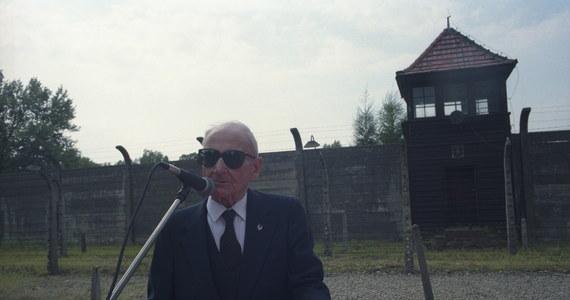 W piątek przypada 20. rocznica śmierci Franciszka Gajowniczka, za którego w 1941 r. w niemieckim obozie Auschwitz życie oddał polski franciszkanin o. Maksymilian Kolbe. Gajowniczek zmarł w wieku 94 lat. Spoczął na cmentarzu przyklasztornym w Niepokalanowie.