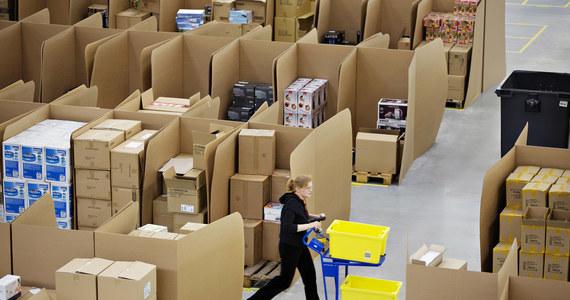 Firma sprzedaży wysyłkowej Amazon uzyskała od władz amerykańskich zezwolenie na testowanie samolotów bezzałogowych. Mają one być docelowo wykorzystywane do szybkiego dostarczania przesyłek do odbiorców.