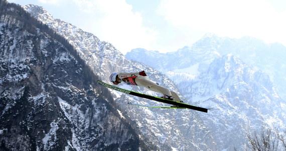 Polska zajęła czwarte miejsce w drużynowym konkursie Pucharu Świata w skokach narciarskich na mamucim obiekcie w Planicy. Druga seria została odwołana z powodu złych warunków atmosferycznych. Wygrała Słowenia, przed Austrią i Norwegią.