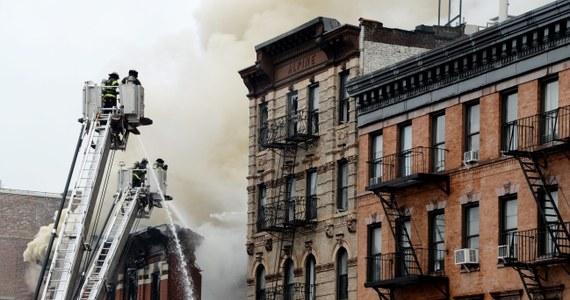 Kilkanaście osób zostało rannych w wyniku eksplozji w budynku w Nowym Jorku. Blok częściowo się zawalił. Według lokalnej telewizji NY1 stan czterech osób jest bardzo poważny.