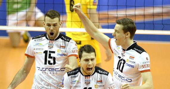W drugim meczu rozgrywanego w stolicy Niemiec Final Four Ligi Mistrzów siatkarzy Asseco Resovia wygrała 3:0 (25:23, 25:23, 25:22) z PGE Skrą Bełchatów. W niedzielę rzeszowianie zagrają z Zenitem Kazań o tytuł najlepszej klubowej drużyny Europy.