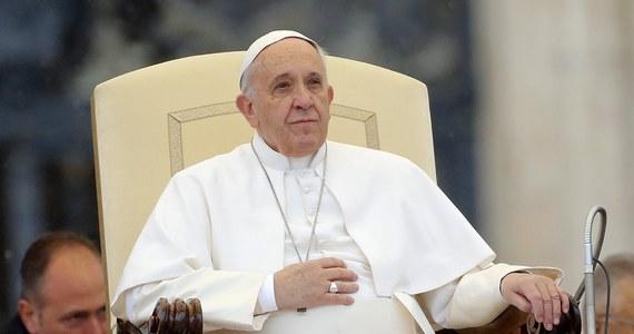 Msza św. kończąca Światowe Dni Młodzieży 2016 zostanie odprawiona w Brzegach koło Wieliczki, pozostałe uroczystości z udziałem papieża Franciszka odbędą się w Krakowie - poinformował metropolita krakowski kard. Stanisław Dziwisz.