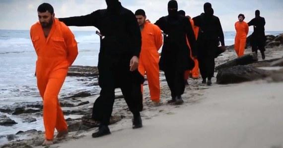 Egipski odłam Państwa Islamskiego (IS) rozpowszechnił w internecie kolejne nagranie przedstawiające ścięcie egipskiego żołnierza. Mężczyznę uprowadzono podczas ataku na półwyspie Synaj.