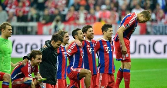 Bayern Monachium i FC Barcelona zagrają w półfinale Ligi Mistrzów. Bawarczycy w wielkim stylu odrobili straty z Portugalii pokonując u siebie FC Porto 6:1 (5:0). Dwie bramki strzelił Robert Lewandowski. Spokojnie do kolejnej rundy przeszła Duma Katalonii wygrywając 2:0 (2:0) z PSG. Na liście strzelców dwa razy pojawiło się nazwisko Neymara.