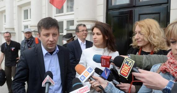 Grupa Polaków z Donbasu, którzy uciekli do Polski z terenów kontrolowanych przez separatystów, zwróciła się do prezydenta Bronisława Komorowskiego o nadanie polskiego obywatelstwa. Złożyli oni w Pałacu Prezydenckim list w tej sprawie.