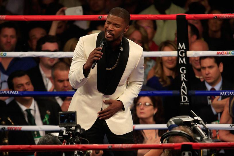 Wykonanie hymnu Stanów Zjednoczonych przez Jamiego Foxxa podczas gali boksu nie przypadło do gustu amerykańskiej widowni.