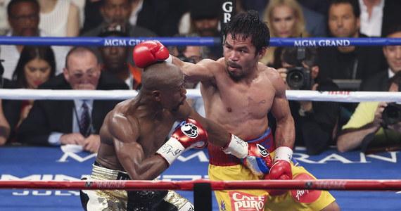 Do internetu wyciekły rzekome karty z punktacją sędziów oceniających pojedynek Filipińczyka Manny Pacquiao z Amerykaninem Floydem Mayweatherem Jr. MailOnline Sport sugeruje na tej podstawie można wnioskować, że sędziowie przyznawali zadawane przez Pacquiao ciosy Mayweatherowi. I na odwrót.