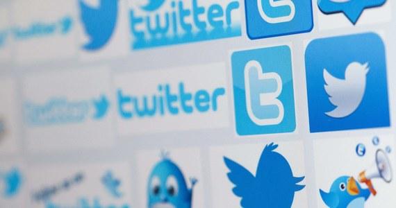 """""""Największym problemem w sieciach społecznych dla polityka jest to, aby być naturalnym. Nasi politycy są spętani poprawnością. Przesadzają albo w jedną, albo w drugą stronę"""" -  mówi w rozmowie z RMF FM Stanisław M. Stanuch, dziennikarz i analityk social media. """"Często porównuję prowadzenie Twittera do sztuki uwodzenia. Z jednej strony chcemy pokazać się jak najlepiej, ale z drugiej musimy być naturalni. Inaczej będziemy sztuczni i śmieszni"""" – dodaje. """"Ludzie nie chcą cały czas dostawać przekazów w stylu: """"kup mnie, kup mnie!"""". Jest taka zasada, że 3/4 tweetów czy publikacji w social mediach powinno nie mieć charakteru sprzedażowego"""" - tłumaczy."""
