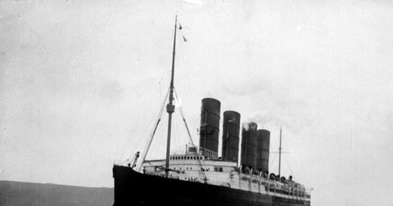 Dokładnie 100 lat temu u wybrzeży Irlandii zatonął luksusowy transatlantyk Lusitania, trafiony torpedą przez niemieckiego U-boota. Zginęło ok. 1200 osób. Jedno z najbardziej dramatycznych wydarzeń I wojny światowej do dziś owiane jest tajemnicą.