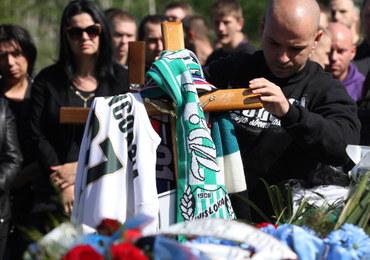 Knurów: Kilkuset kibiców na pogrzebie 27-latka