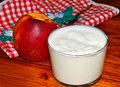 Jogurt z brzoskwinią