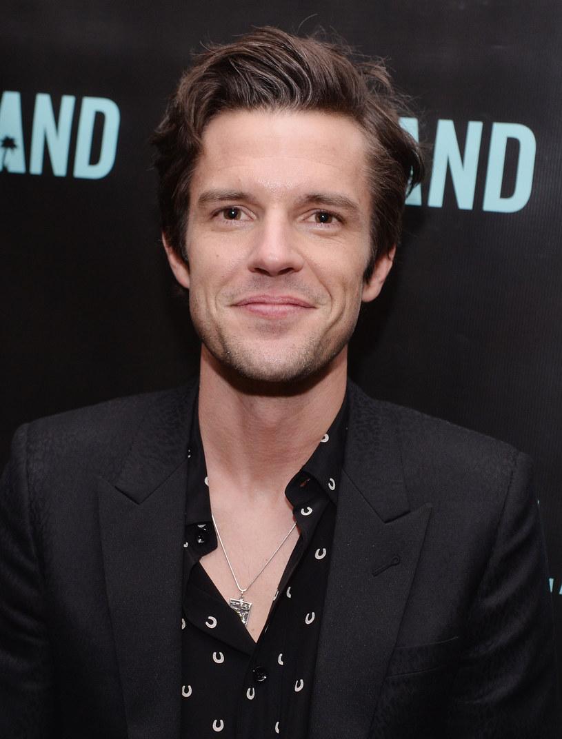 """Wokalista The Killers, Brandon Flowers, jako jeden z niewielu artystów poparł kontrowersyjny wyrok sądu, wedle którego przebój """"Blurred Lines"""" Robina Thicke jest plagiatem."""