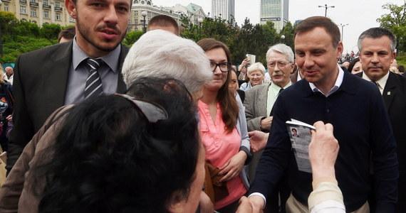 Rosja może tylko skorzystać na tym, że prezydentem Polski zostanie Andrzej Duda - ocenił komentator polityczny radia Kommiersant FM Maksim Jusin. Podobny pogląd wyraził komentator polityczny radia Business FM Paweł Szeremet.