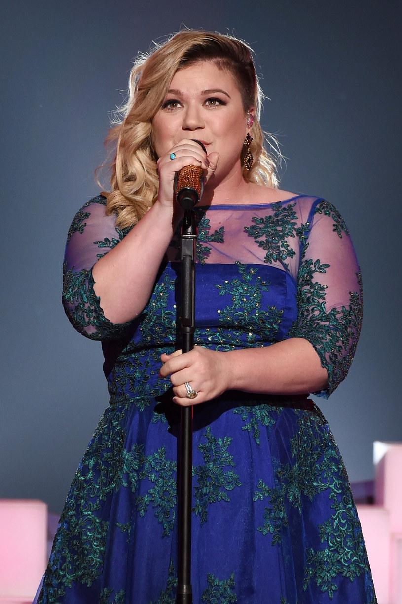 Amerykańska wokalistka Kelly Clarkson ogłosiła swoje poparcie dla dekryminalizacji marihuany w Stanach Zjednoczonych i zachęciła prawodawców do zalegalizowania wielu innych substancji.
