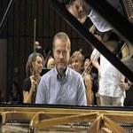 Artur Żmijewski pianistą