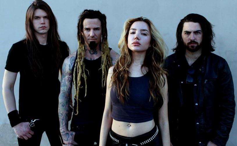 Once Human to nazwa nowego zespołu Logana Madera (eks-Machine Head, Soulfly), kanadyjskiego gitarzysty i cenionego producenta.