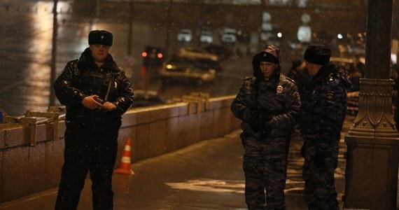 Odnaleziono pistolet, z którego prawdopodobnie zastrzelono znanego rosyjskiego opozycjonistę Borysa Niemcowa. Polityk zginął 27 lutego, tuż przy murach Kremla. Podejrzanych w sprawie jest 5 osób. Wszyscy pochodzą z Czeczeni.