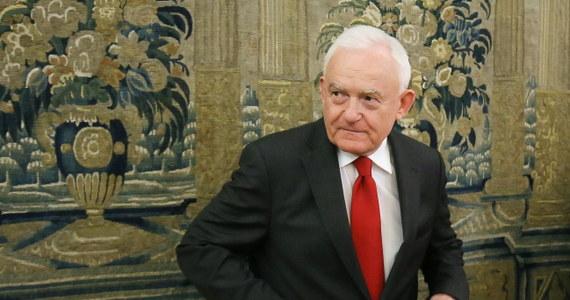 SLD będzie zmierzał do utworzenia jednej listy szeroko rozumianej lewicy w wyborach parlamentarnych - poinformował szef SLD Leszek Miller po posiedzeniu Rady Krajowej. Zapowiedział, że niebawem odbędzie się spotkanie m.in. z OPZZ dotyczące tej kwestii.