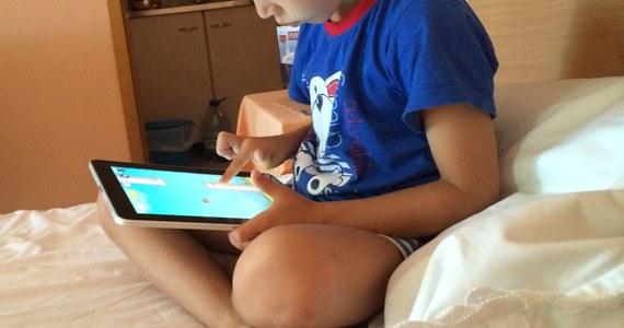 Niemal jedna dziesiąta internautów to dzieci między 7. a 12. rokiem życia. W sieci szukają głównie rozrywki i gier - wynika z danych firmy badawczej Gemius, zebranych w pierwszym kwartale tego roku.