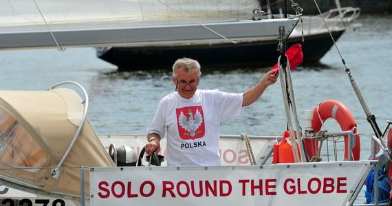 W sobotę od szczecińskich nabrzeży odbił jacht Regina R., na którego pokładzie Grzegorz Węgrzyn rozpoczął samotny rejs dookoła świata. Żeglarz zamierza opłynąć ziemię bez zawijania do portów w mniej niż rok.